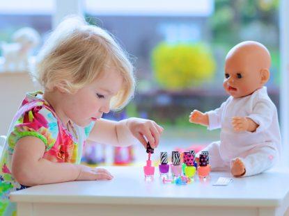 Esmalte infantil: crianças podem usar esmalte?