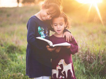 Pequenos leitores nascem em casa