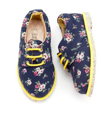 sapatos veganos para crianças